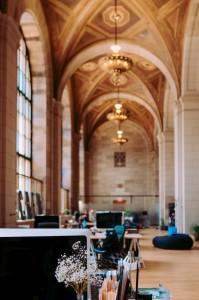 Flexibele werkplek modern kantoor
